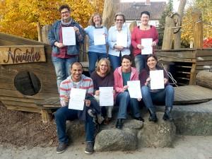 Acht Fachkräfte der Einrichtung freuten sich über das Zertifikat des internationalen Marte Meo Zentrums.